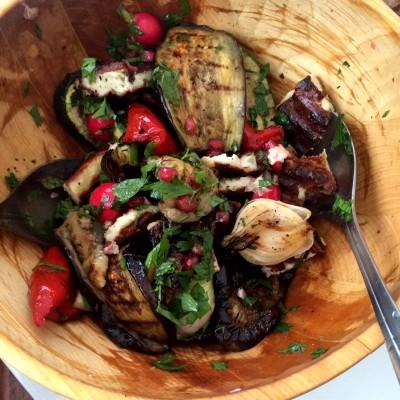 Grillad grönsakssallad med halloumiost