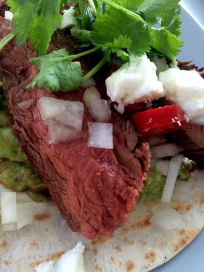 Grillad flankstek med guacamole: Carne Asada